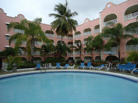 Sunbay Hotel: Vue de notre balcon de chambre