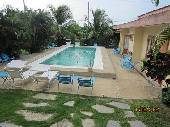 كازا دي كامبو بيداسي: Pool area and rooms 