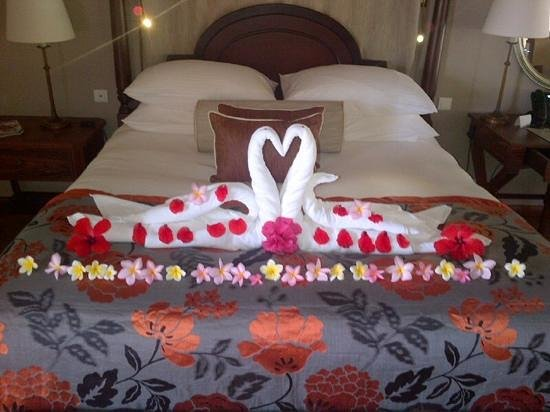 Constance Prince Maurice: a special touch by room cleaner on my Wife's Birthday