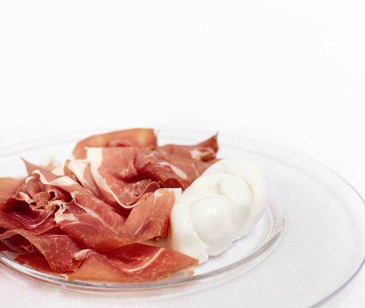 Chiù Gustosità Italiane: Giulietta - Treccia di fiordilatte con Parma