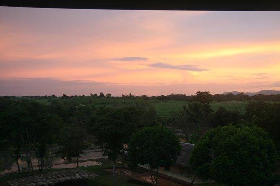 Kalu's Hideaway: Sundown from room