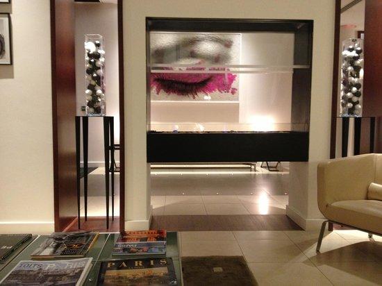 Select Hotel: Lobby