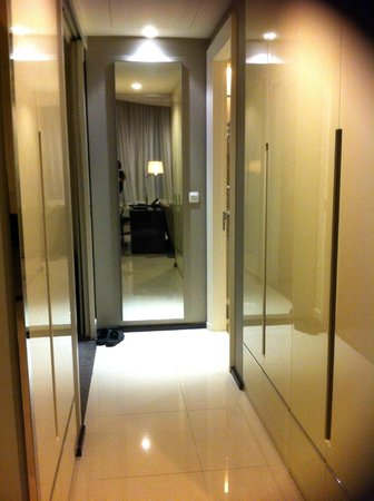 Grande Centre Point Terminal 21: Passage between sitting room and bedroom. Has a sliding door