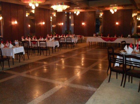Tourist Hotel Mykolaiv: Restaurant, lounge 1