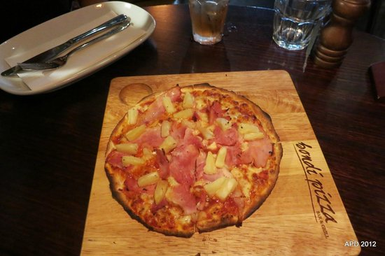 "Bondi Pizza Parramatta: Childrens 8"" Ham and Pineapple pizza"
