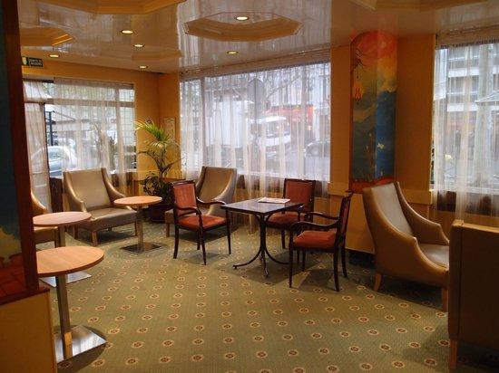 โรงแรมตูร์ริสม์: Lounge