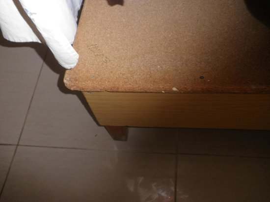โรงแรมซานพอว์: Divan base