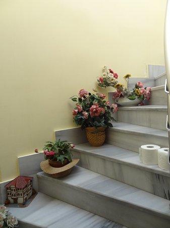 Ulusan Hotel : very clean stairs