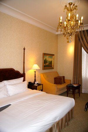 The Ritz-Carlton, Budapest: Our room
