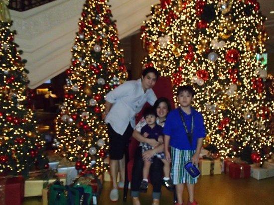Makati Shangri-La Manila: the lobby