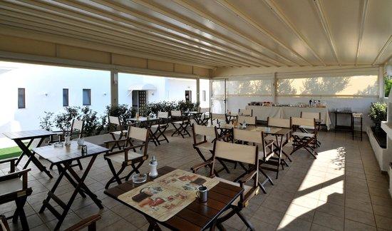 Hotel Porto Diakofti: Breakfast area