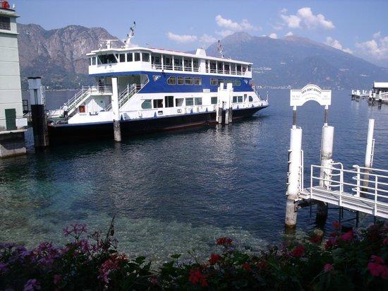 Lake Como: le bâteau à Bellagio avant le départ