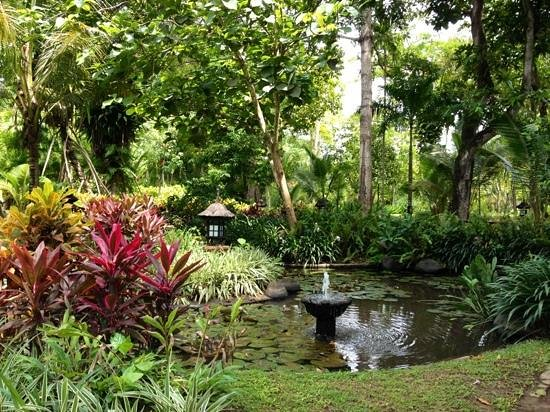 Garden Tour at Bali Hyatt: Hyatt garden