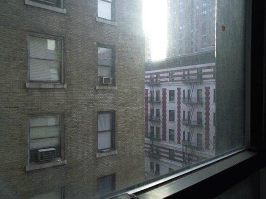 Days Inn Hotel New York City-Broadway: 階段からの風景