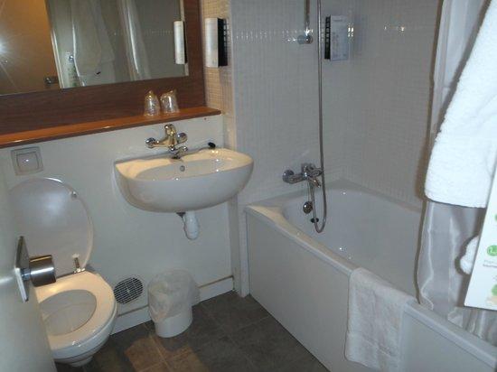 Campanile Paris Sud - Porte d'Italie: Bathroom