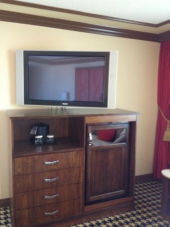 Paris Las Vegas: Red Room Upgrade