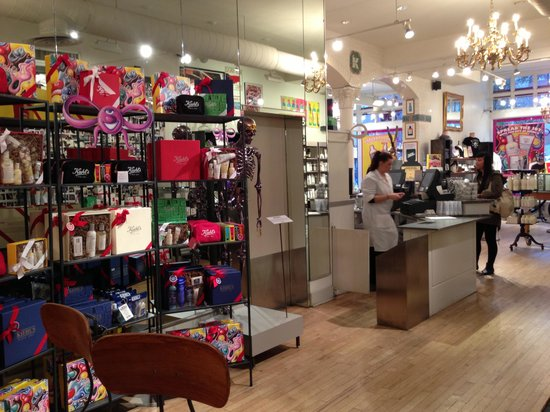 Kiehl's: The store on Third Avenue