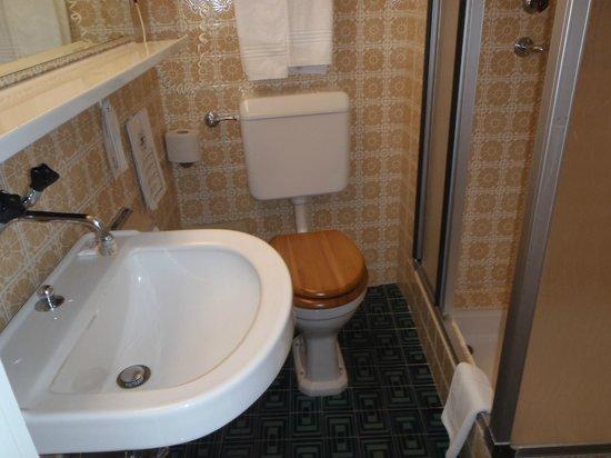 Luzernerhof Hotel: Bathroom