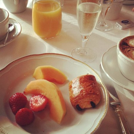 Hotel Excelsior: Breakfast can hardly get any better