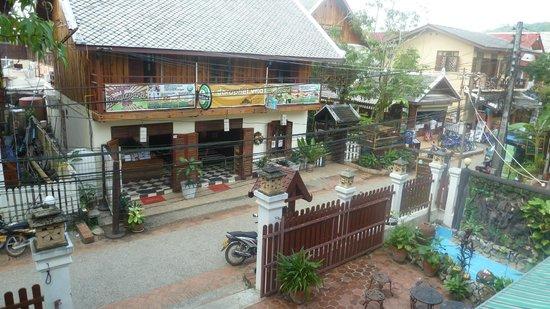 Hoxieng Guesthouse 1: Sicht von Balkon