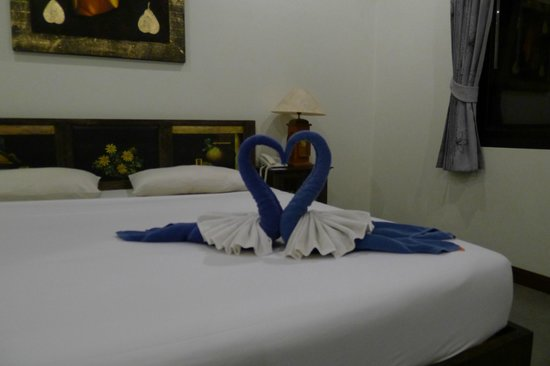 Seeka Boutique Resort: Standard double room. Welcomed by cute swan.