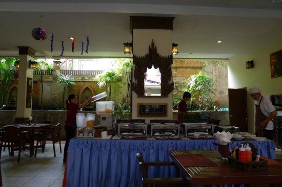 Seeka Boutique Resort: Simple buffet breakfast to be served
