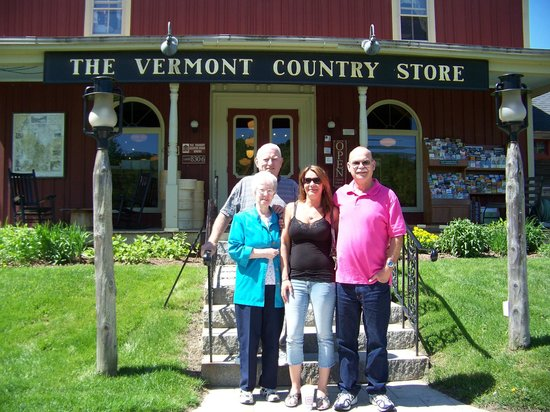 Red Robin Motel: Vermont Country Store