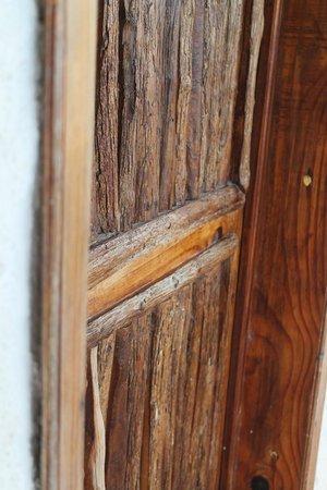 Hotel Maya Inn: Beautiful door