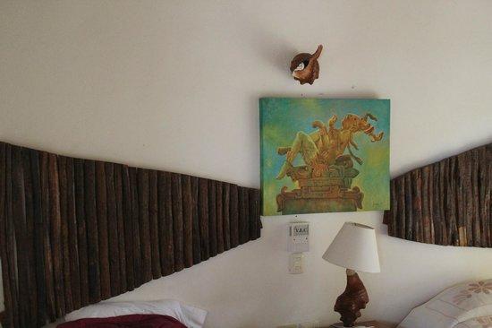 Hotel Maya Inn : Mayan and wood deco