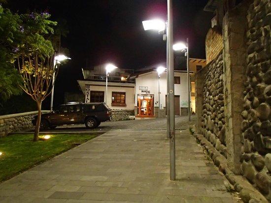 Hostal Casa del Rio: A view of the front