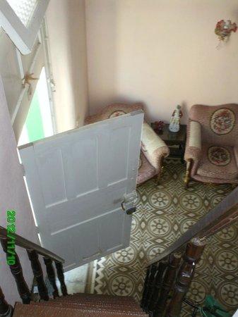 Casa de Ana Marti Vazquez: Stiege zum Zimmer