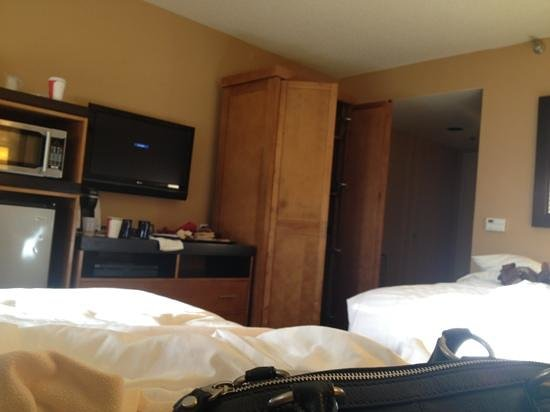 SeaCrest OceanFront Hotel: our room /standard with two queens