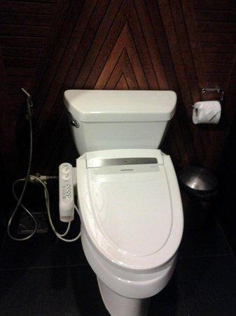 Tango Luxe Beach Villa: Bathroom