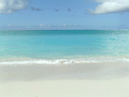 The Sands at Grace Bay: Another beautiful day
