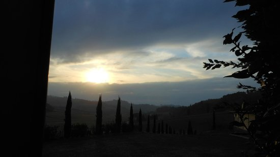 Azienda Agricola ed Agrituristica Cafaggio: Podere Enzi- tramonto 