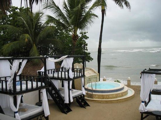Presidential Suites A Lifestyle Holidays Vacation Resort: VIP Beach area