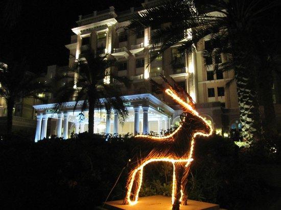 The Westin Dubai Mina Seyahi Beach Resort & Marina: Die Hoteleinfahrt