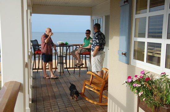 The Inn at Herrington Harbour: Decks!
