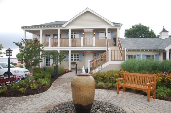 The Inn at Herrington Harbour: Exterior of the suite