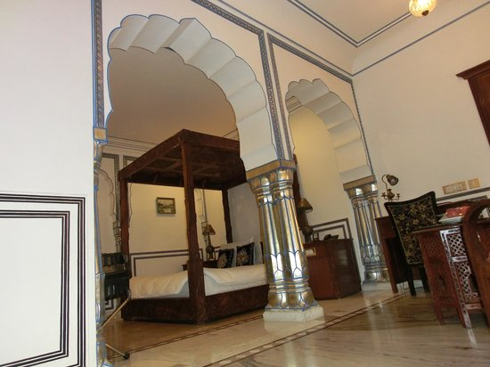 The Raj Palace Grand Heritage Hotel: Suite