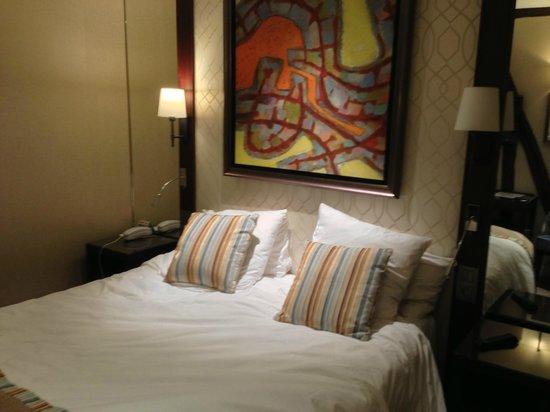 โรงแรมเบสท์เวสเทิร์น: bed