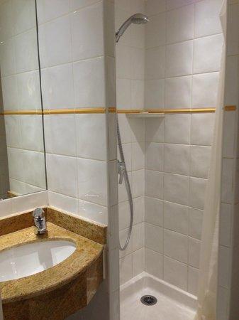 โรงแรมเบสท์เวสเทิร์น: shower
