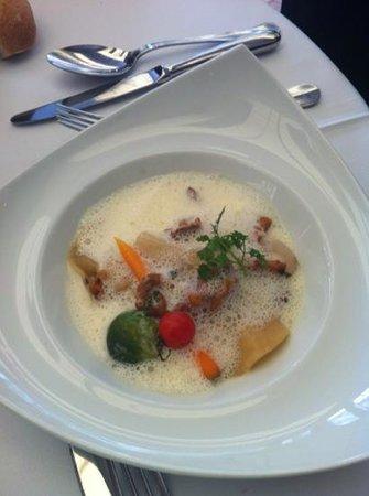La Brasserie de La Mediterranee: raviole de langoustine
