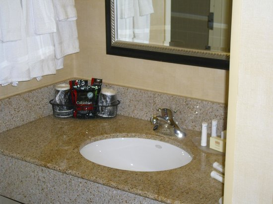 Courtyard by Marriott St. Louis Westport Plaza: Clean