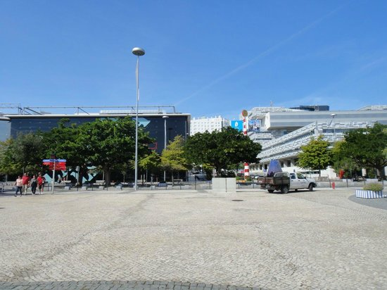 Parque Das Nacoes: Science buildings.