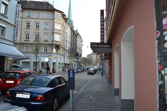 Best Western Plus Hotel Zuercherhof : the street outside