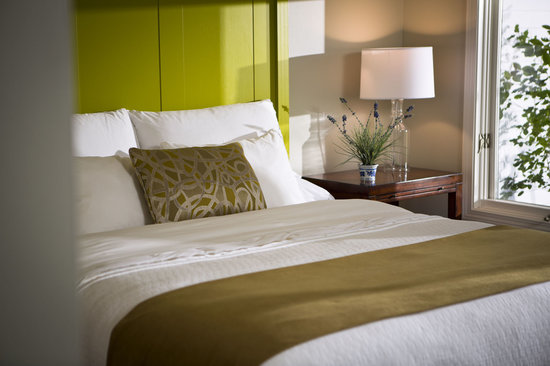 The Inns at Equinox: Townhouse Guestroom