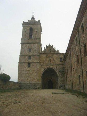 Hostal El Volante: Monasterio de Iratxe a 2km. del Hostal.