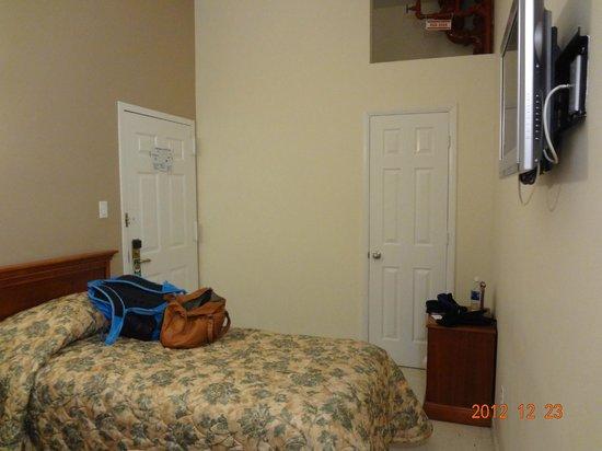 أميركانا إن: room 