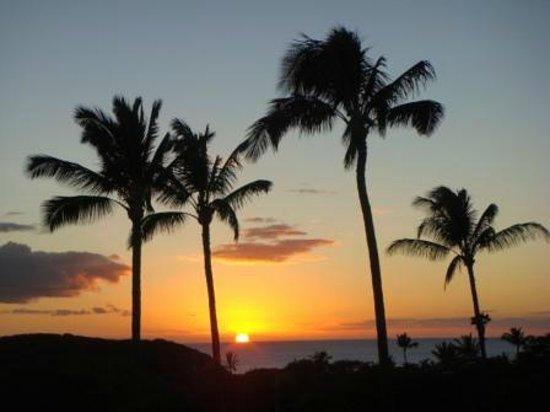 Ke Nani Kai : Sunset from KNK 115's Lanai.